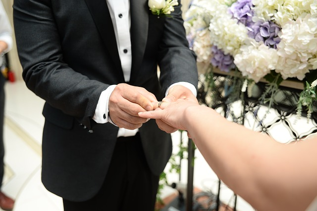 svatba a prsteny