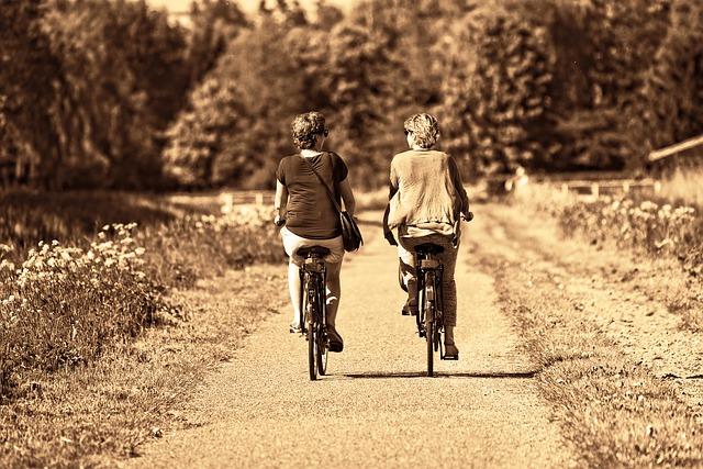 jízda na kolech vedle sebe