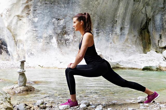 cvičení u řeky