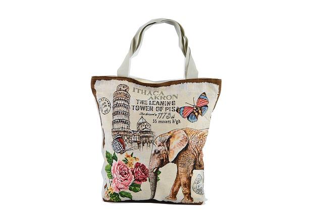 potisknutá nákupní taška – květiny, slon, nápisy atd.