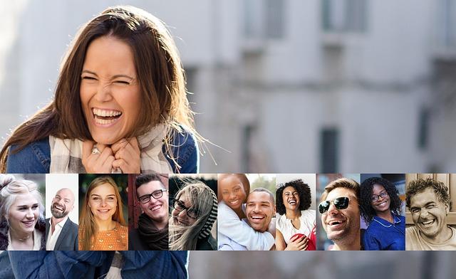 fotky smějících se lidí